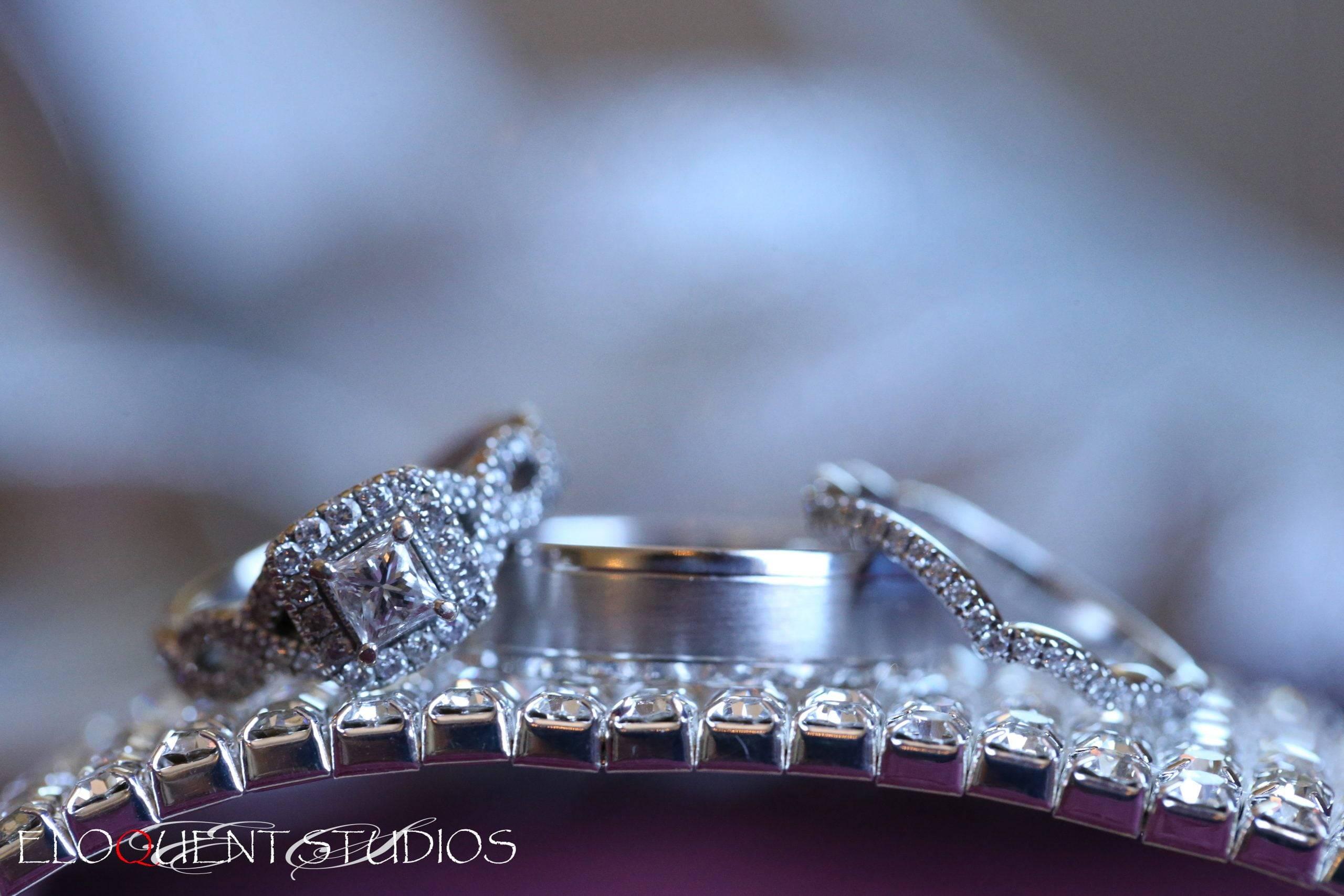 David's Country Inn wedding rings