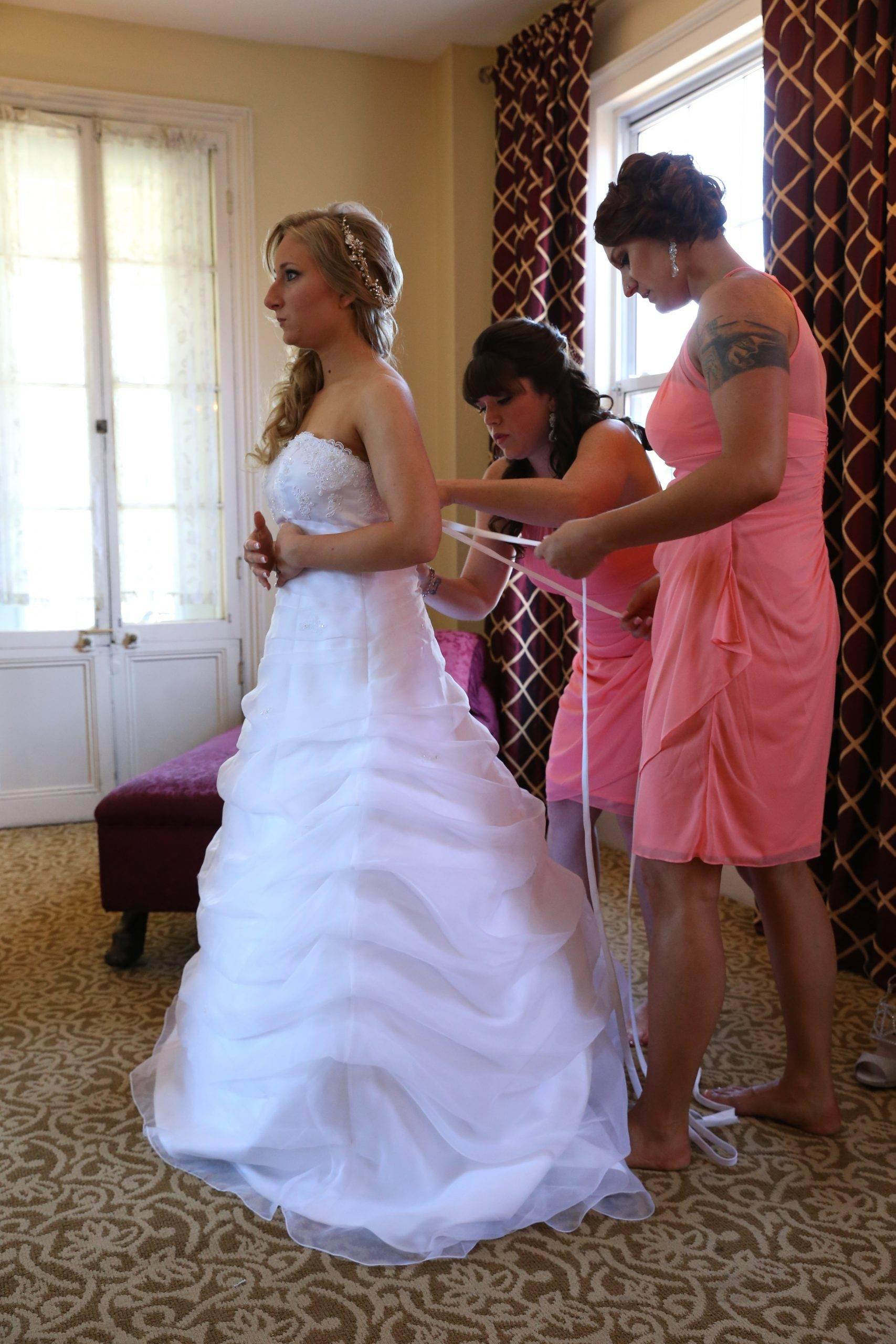 David's Country Inn bride getting dressed