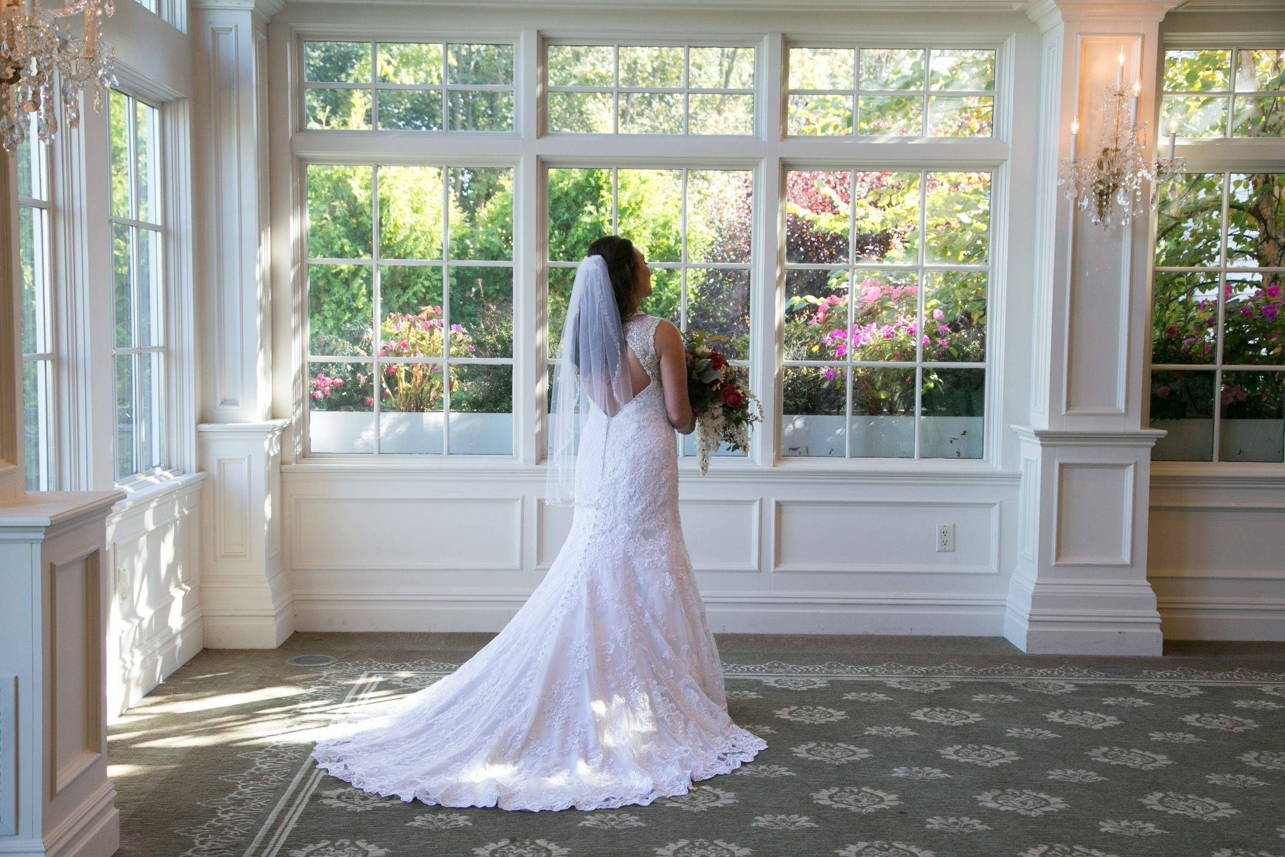 Park Savoy bride ready for her wedding