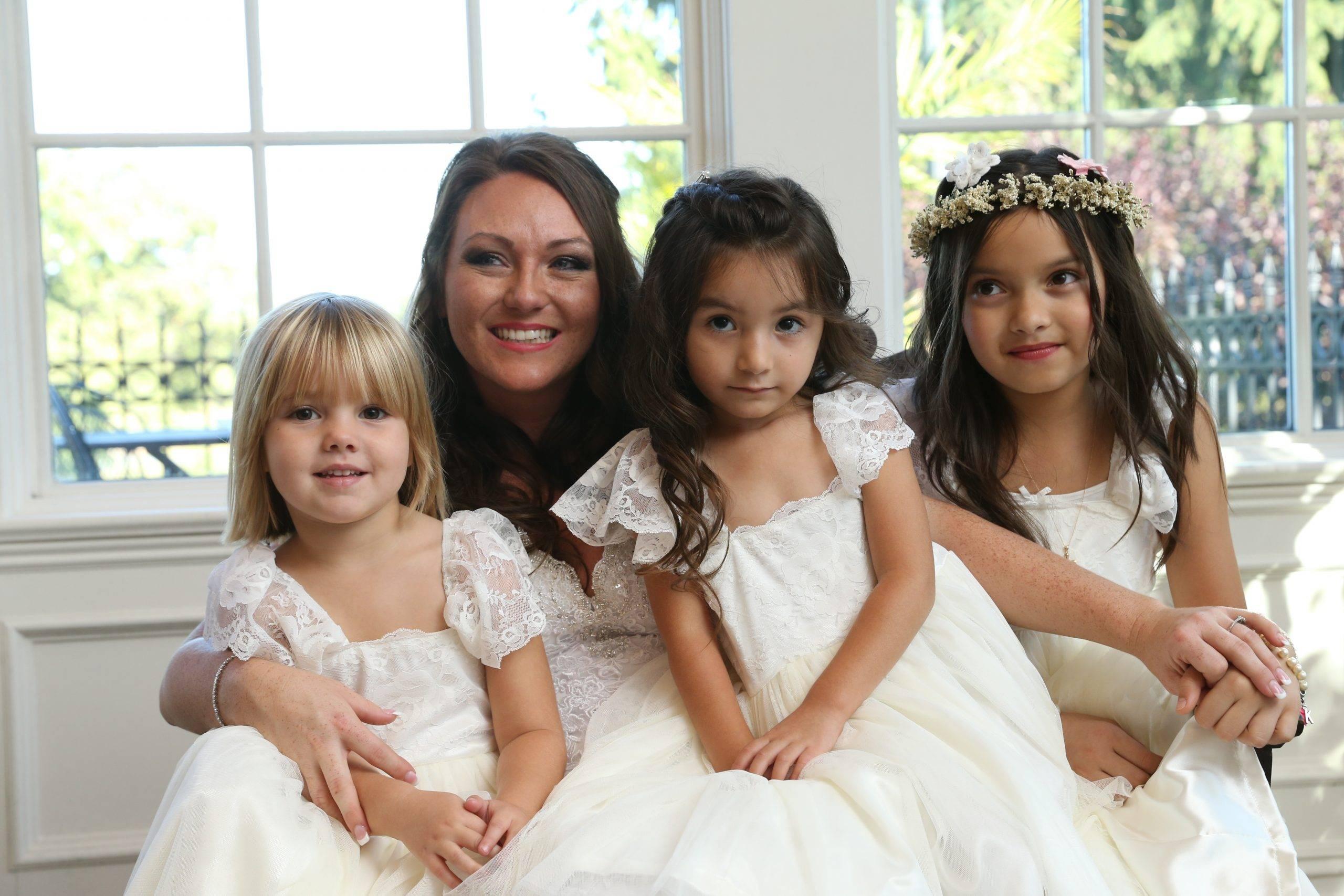 Park Savoy bride with flower girls