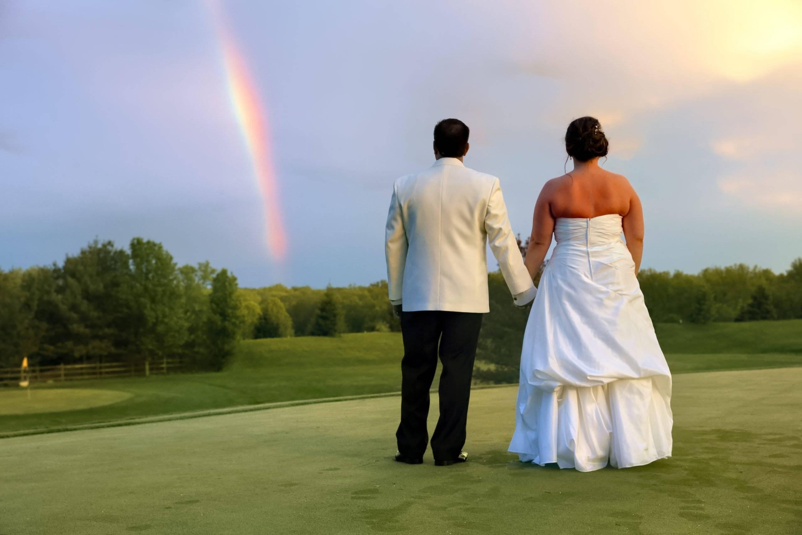 Basking Ridge CC bride and room and the rainbow
