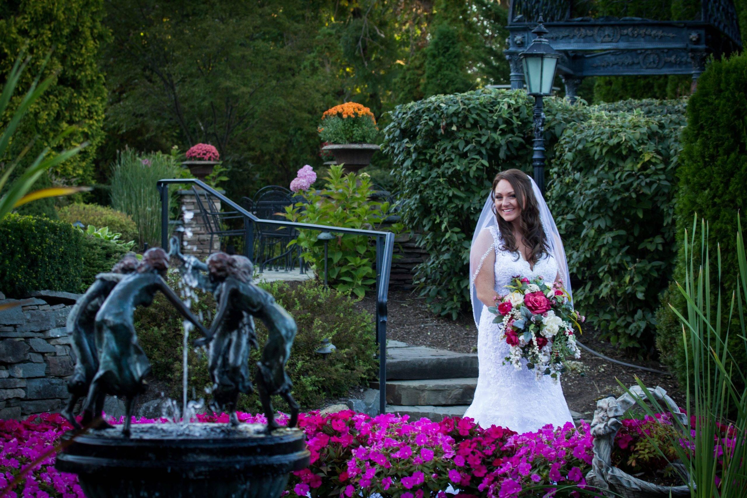 Park Savoy bride by fountain