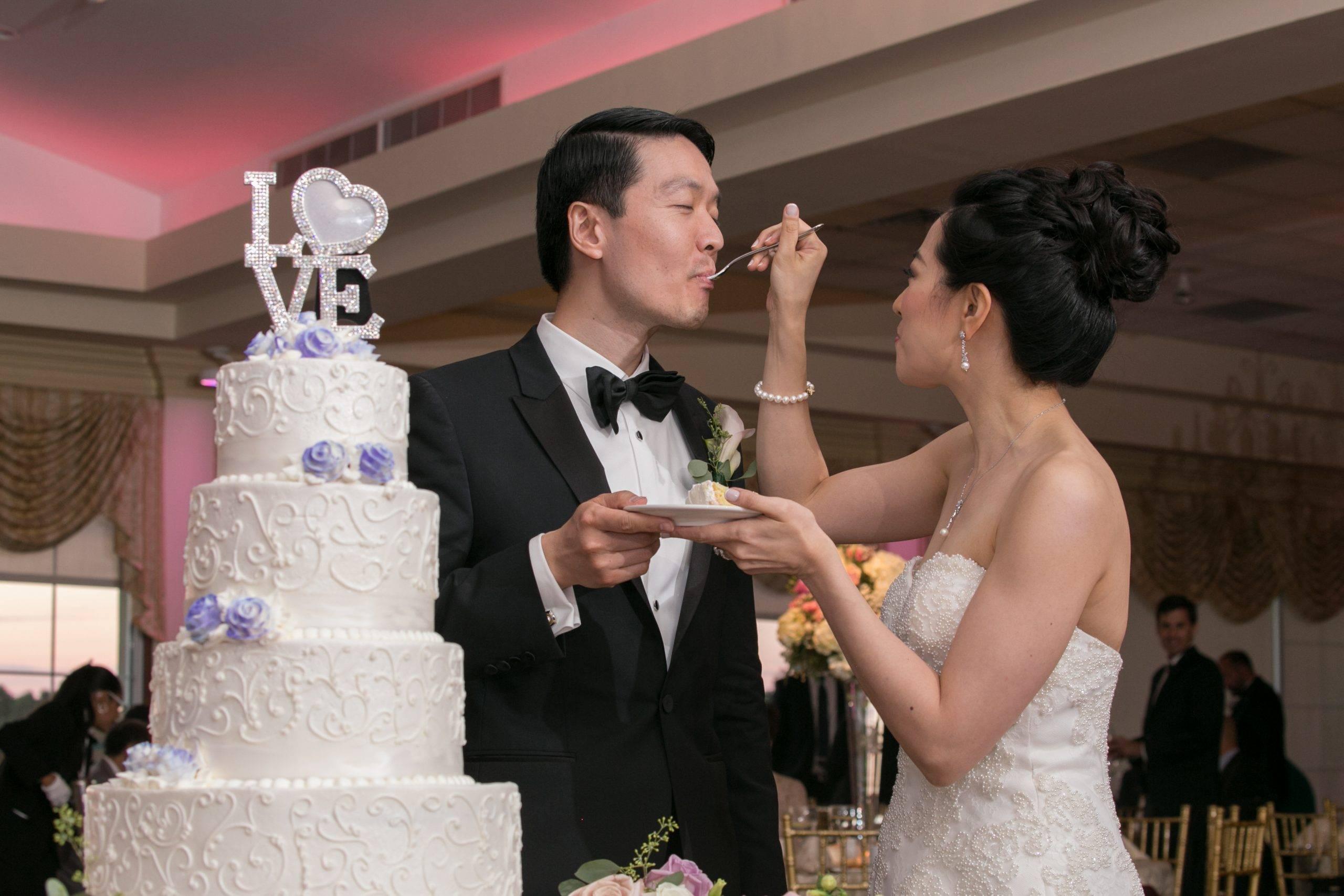 Brooklake wedding cake