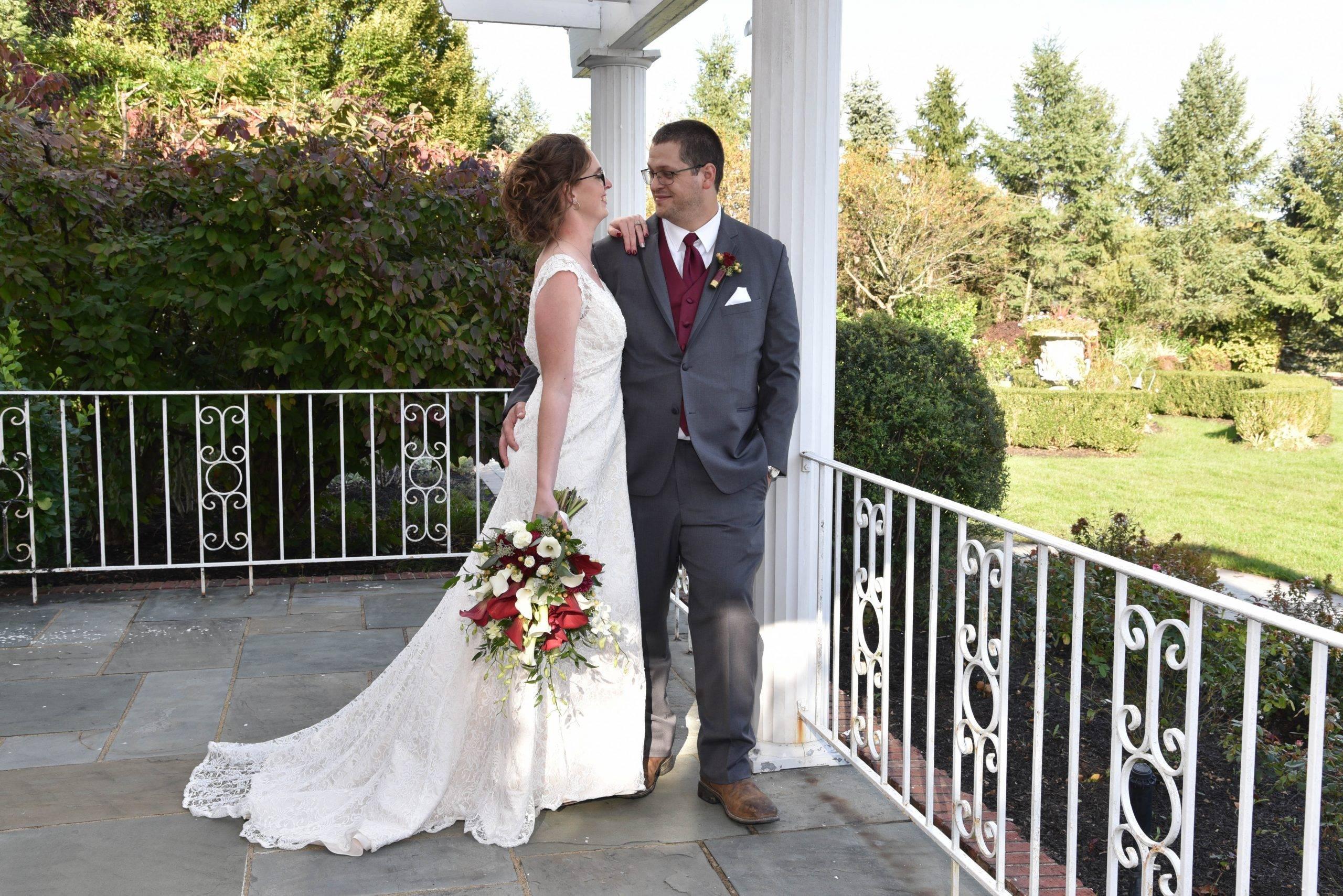 Birchwood Manor bride & groom