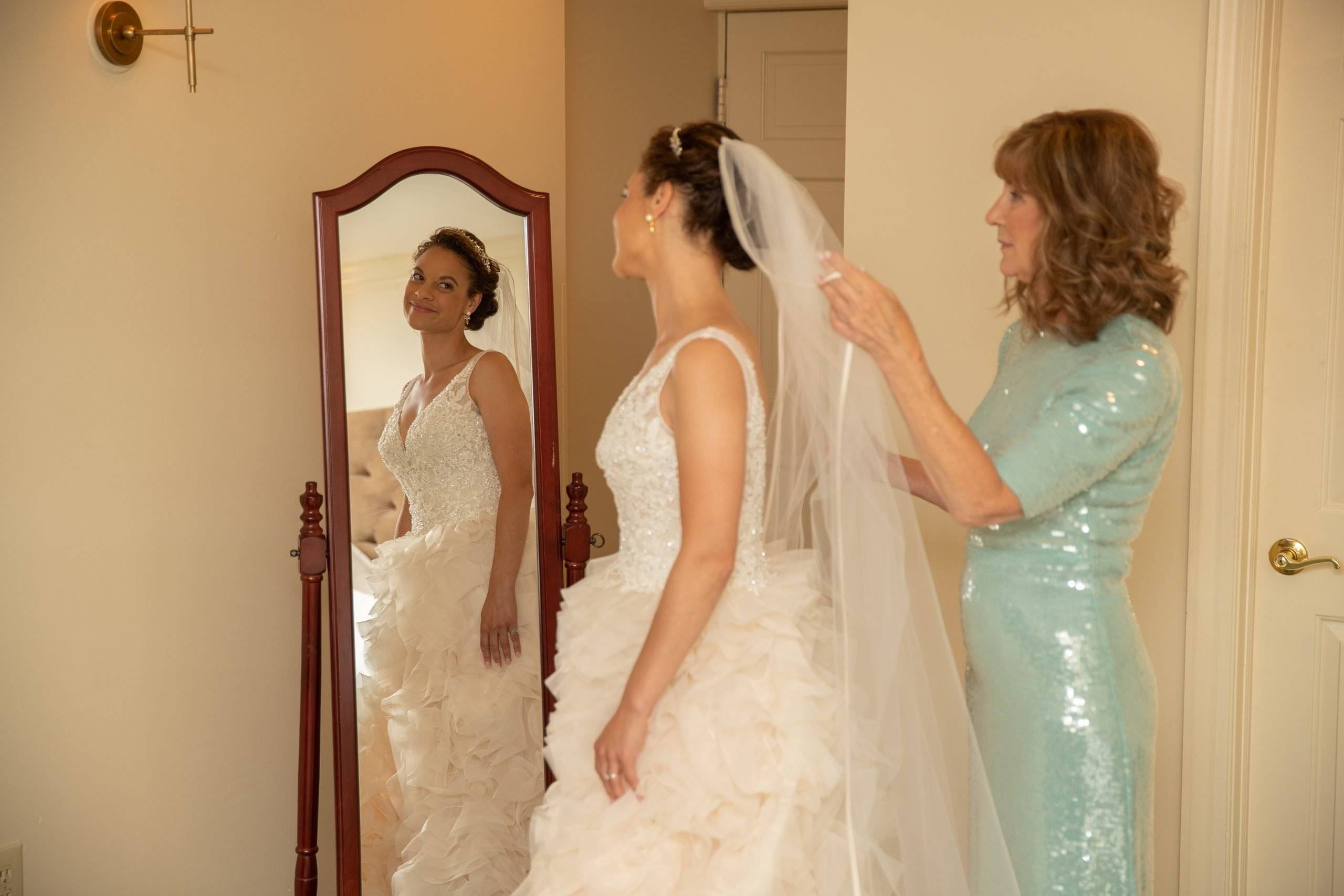 Olde Mill Inn bride getting ready with mother