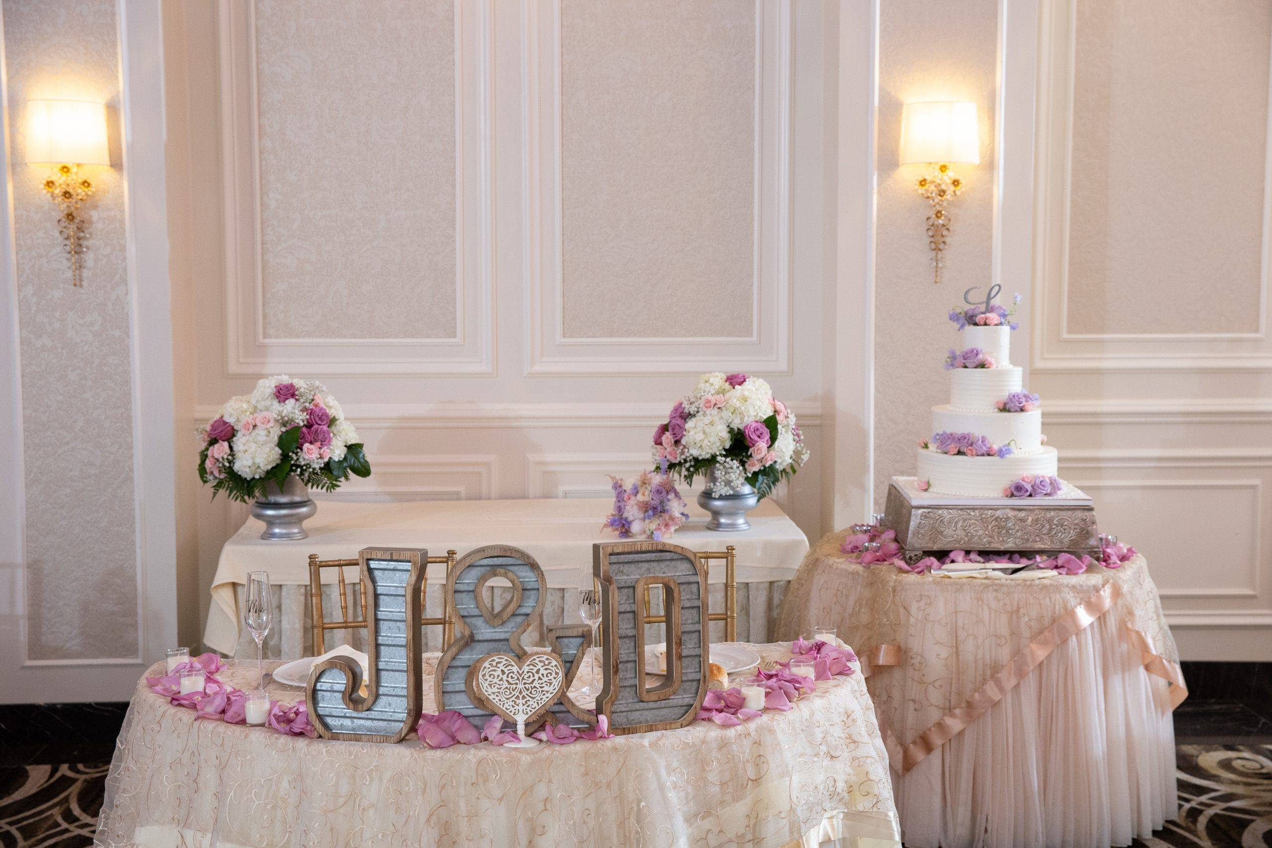 Meadow Wood wedding cake tables