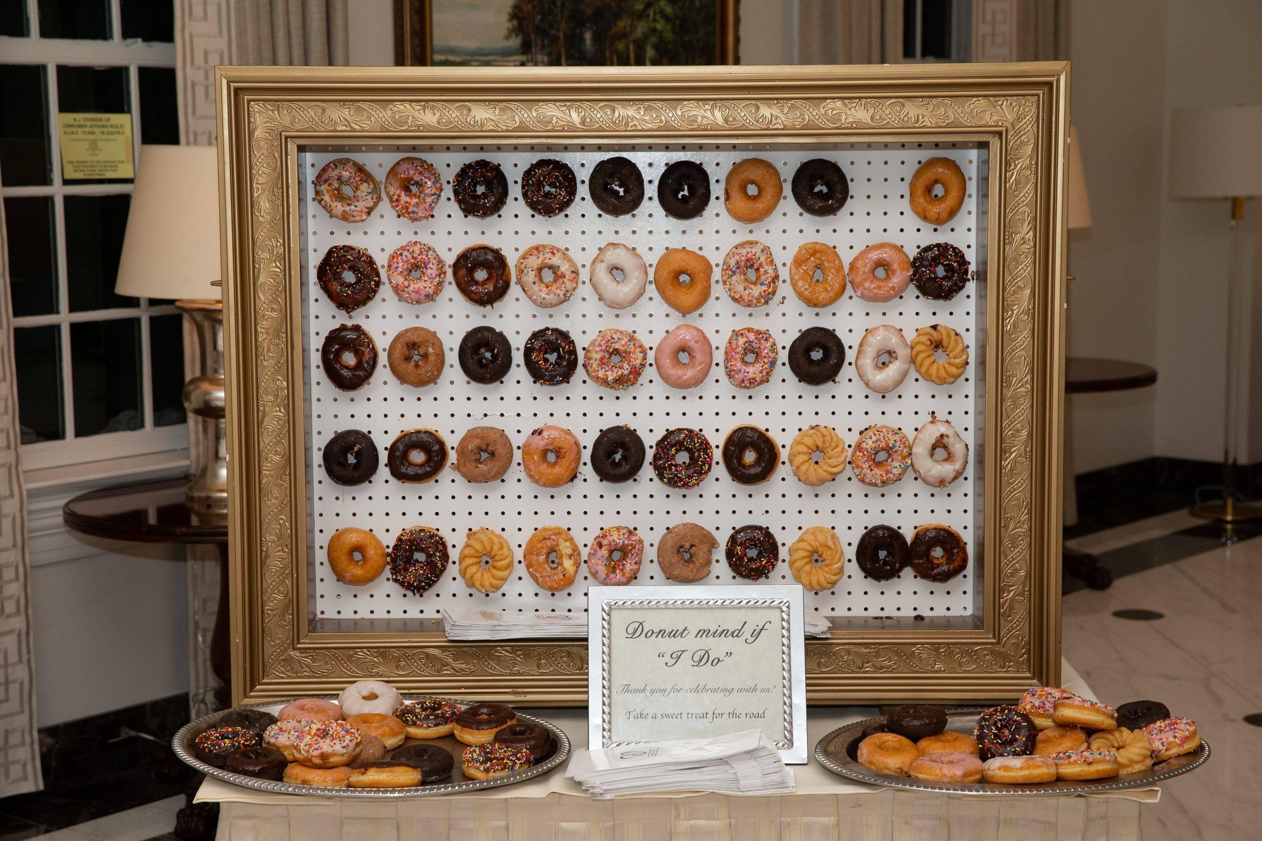 Meadow Wood donut treat wedding favor