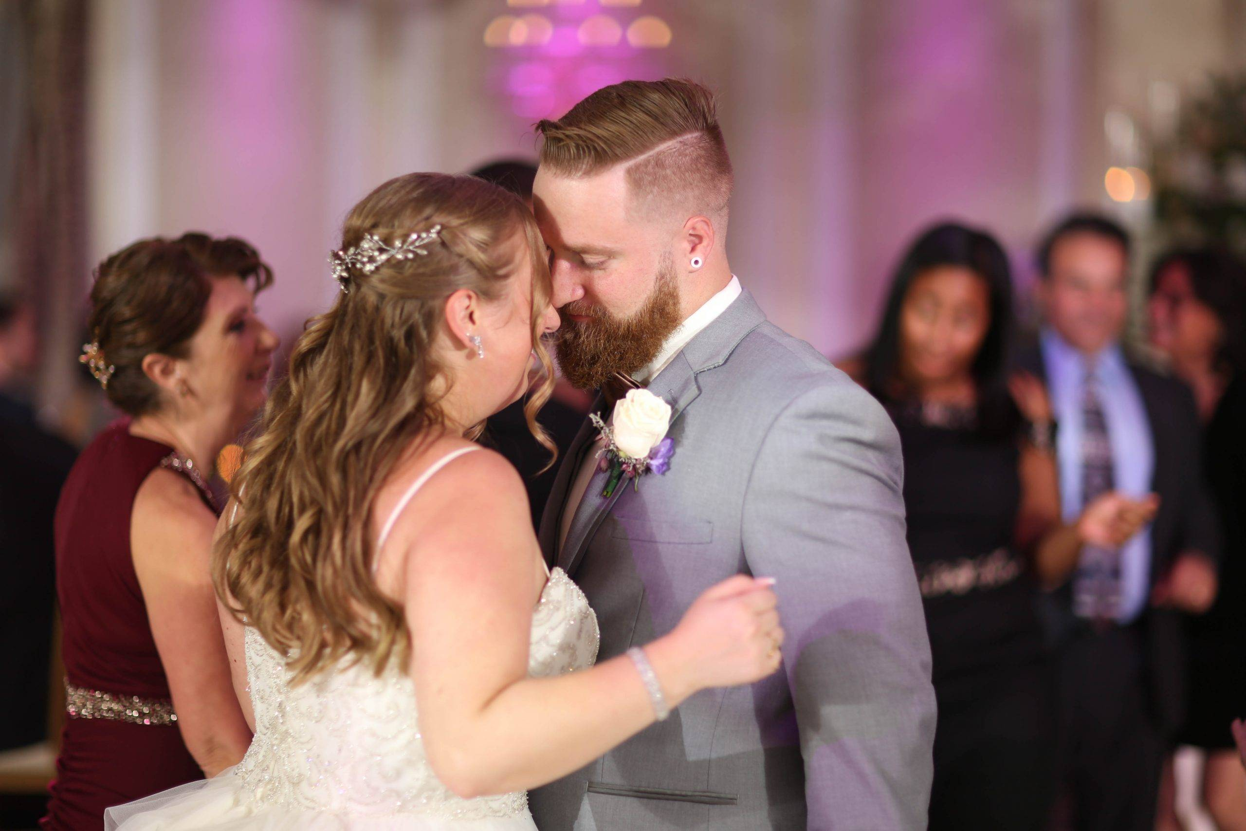 Primavera Regency bride and groom first dance