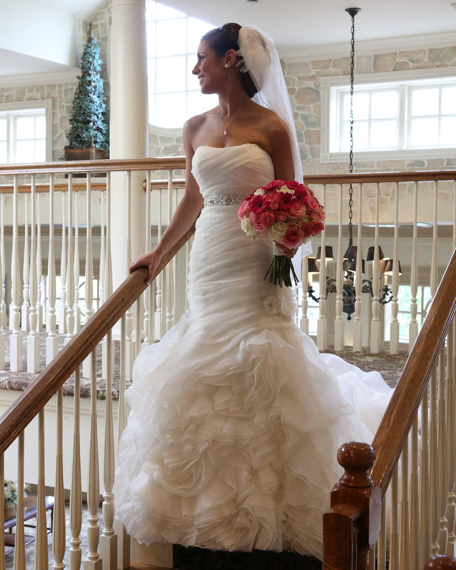 Olde Mill Inn bride on steps