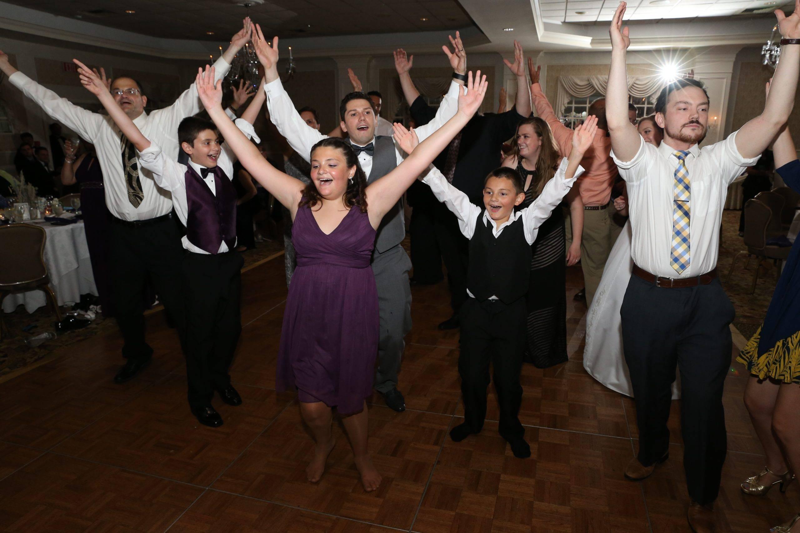 Bridgewater Manor wedding guests dancing